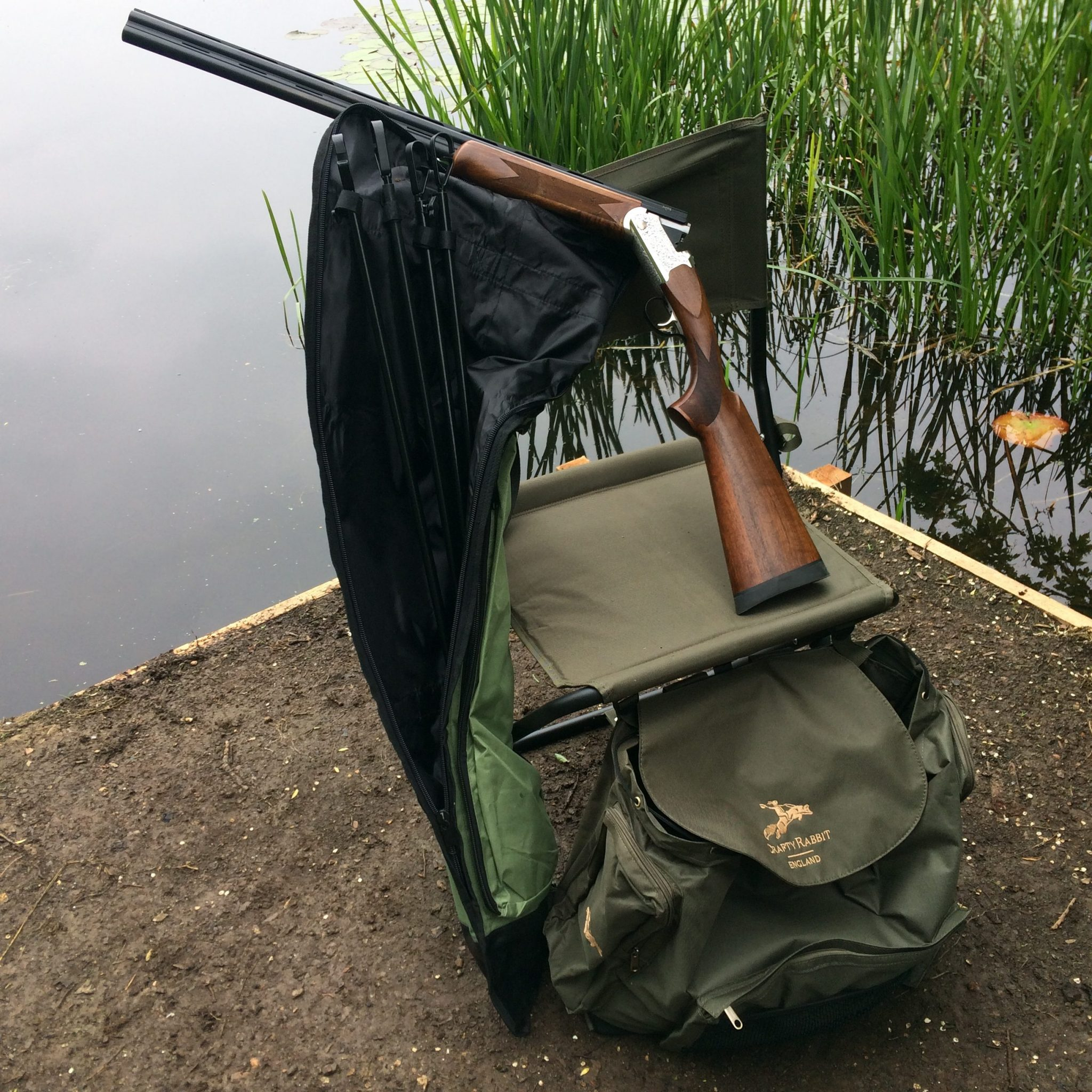 Cartridge bag shooting chair